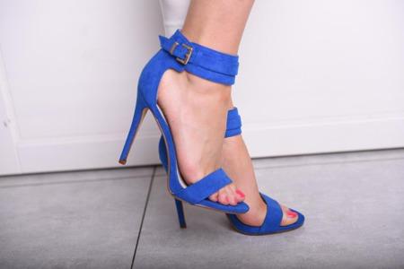 Zmysłowe sandały na szpilce niebieskie
